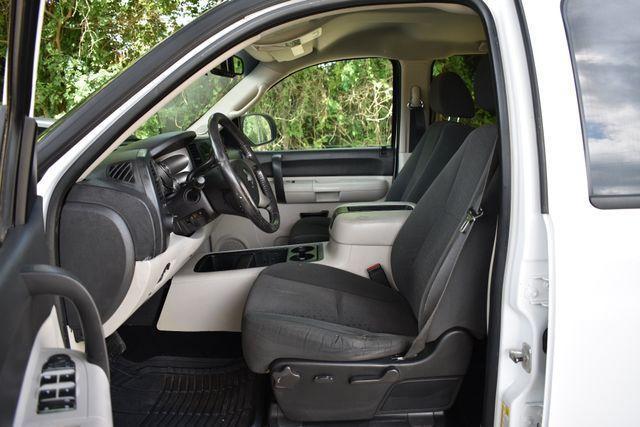 very clean 2008 Chevrolet Silverado 2500 LT pickup