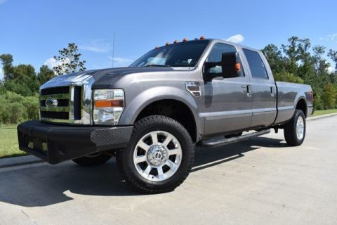 very nice 2008 Ford F 350 Lariat pickup for sale