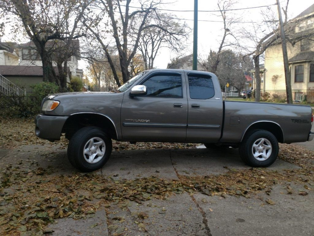 newer engine and trans 2003 Toyota Tundra SR5 V8 pickup