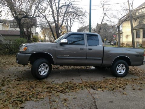 newer engine and trans 2003 Toyota Tundra SR5 V8 pickup for sale
