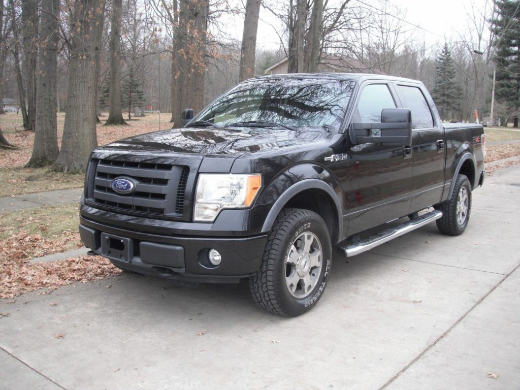 fully loaded 2010 Ford F 150 FX4 Supercrew pickup