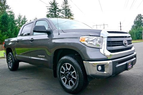 loaded with options 2014 Toyota Tundra SR5 pickup for sale