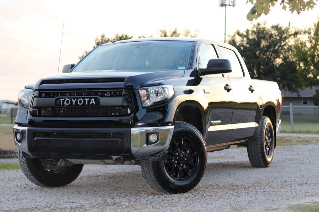 low mileage 2015 Toyota Tundra SR5 pickup