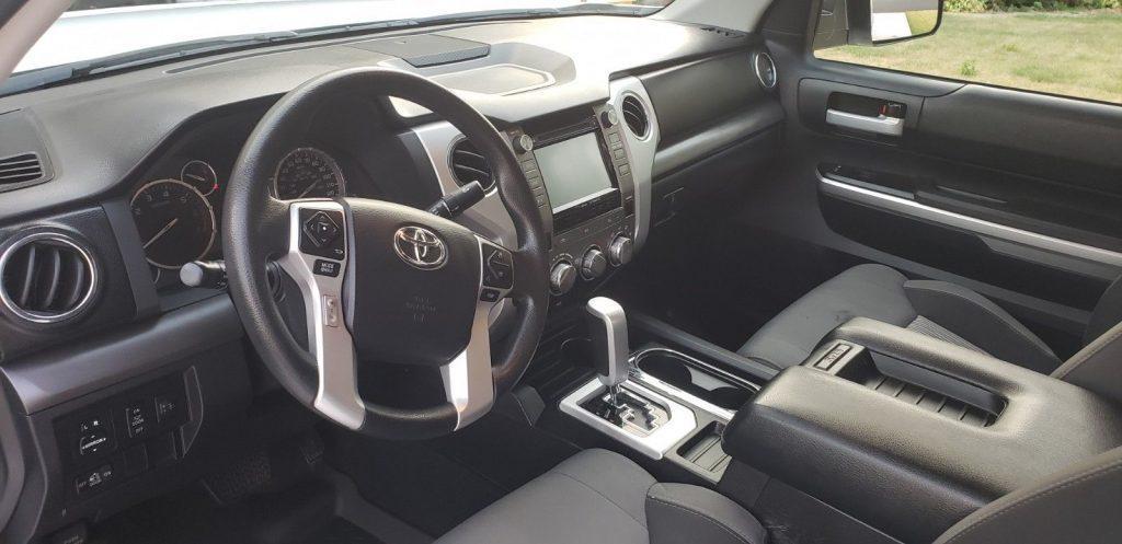 low mileage 2015 Toyota Tundra SR5 pickup