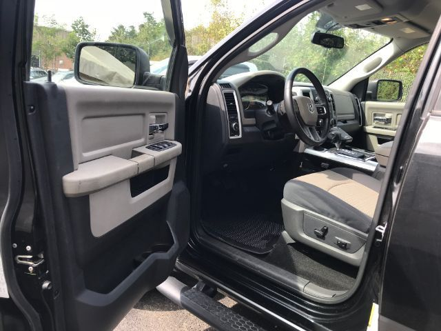 well equipped 2009 Dodge Ram 1500 SLT pickup