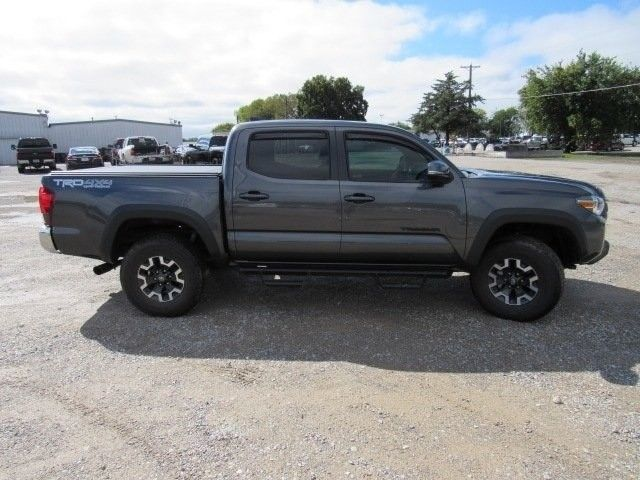 low miles 2018 Toyota Tacoma TRD pickup