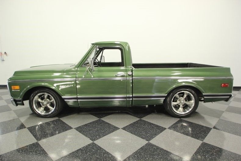 Nicely Restored 1972 Chevrolet C 10 Custom Deluxe pickup