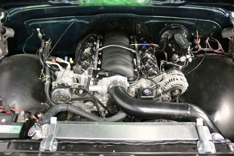 Restomod 1972 Chevrolet C 10 pickup
