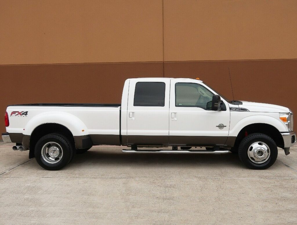 nice and clean 2012 Ford F 350 Lariat pickup