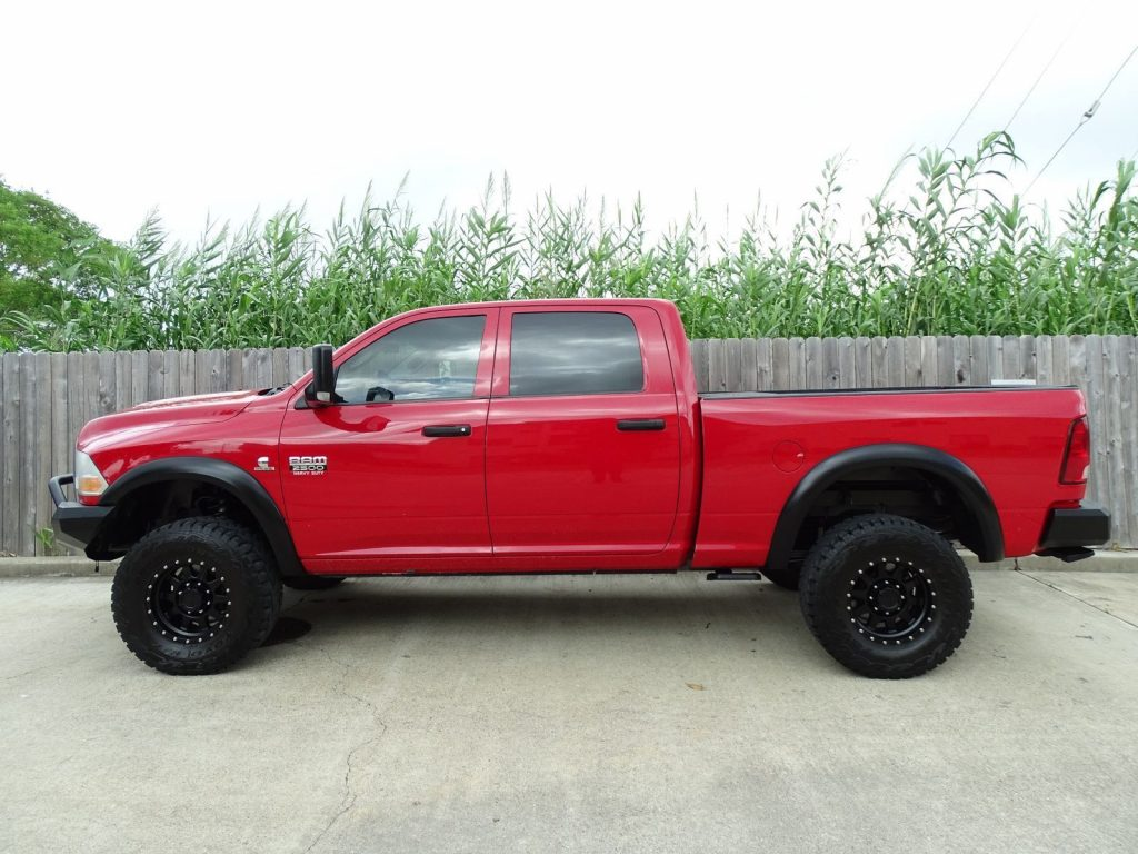 well equipped 2012 Dodge Ram 2500 ST pickup