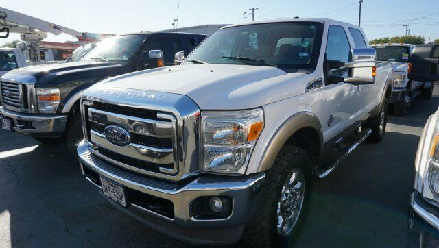 solid 2013 Ford F 250 Lariat pickup