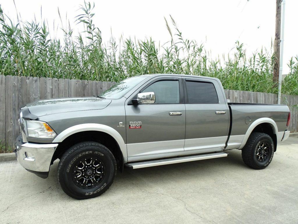 well equipped 2012 Dodge Ram 2500 Laramie pickup