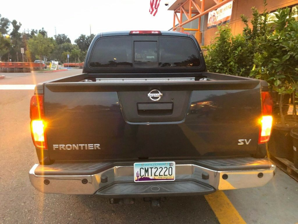 immaculate 2015 Nissan Frontier SV pickup