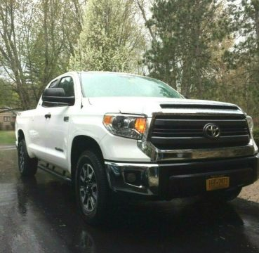 low miles 2015 Toyota Tundra SR5 pickup for sale