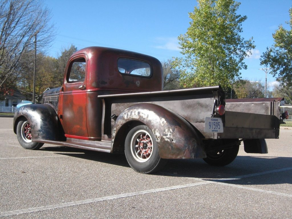 modified 1941 Chevrolet Pickup