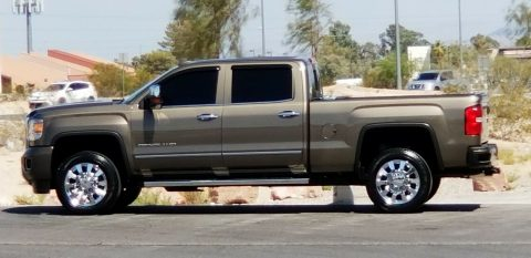 pristine 2015 GMC Sierra 2500 Denali Crew Cab Pickup for sale