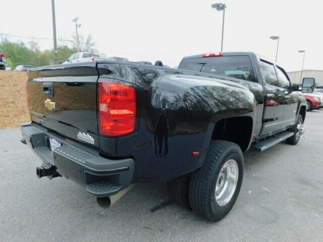 well equipped 2015 Chevrolet Silverado 3500 High Country pickup