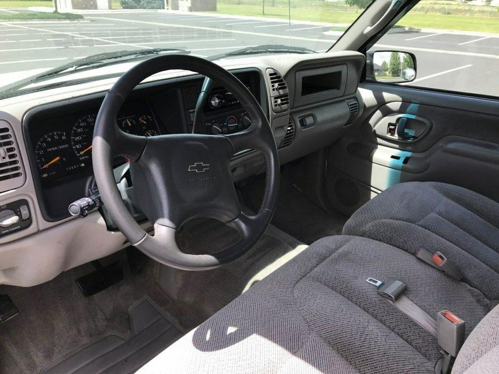 loaded 2000 Chevrolet C/K 2500 Silverado pickup