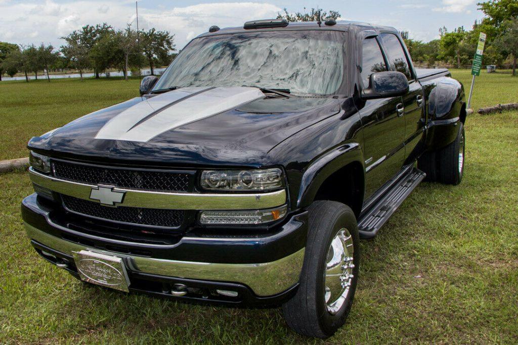 monster hauler 2001 Chevrolet Silverado 3500 HD Dually pickup