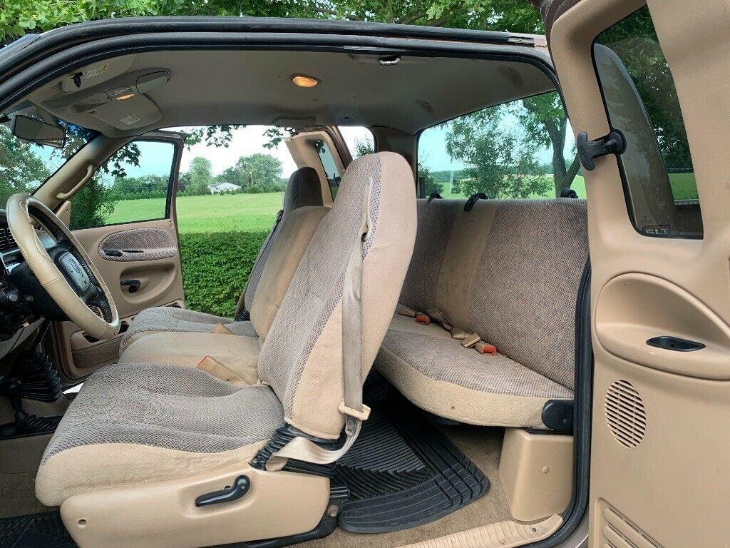 very clean 2001 Dodge Ram 2500 pickup