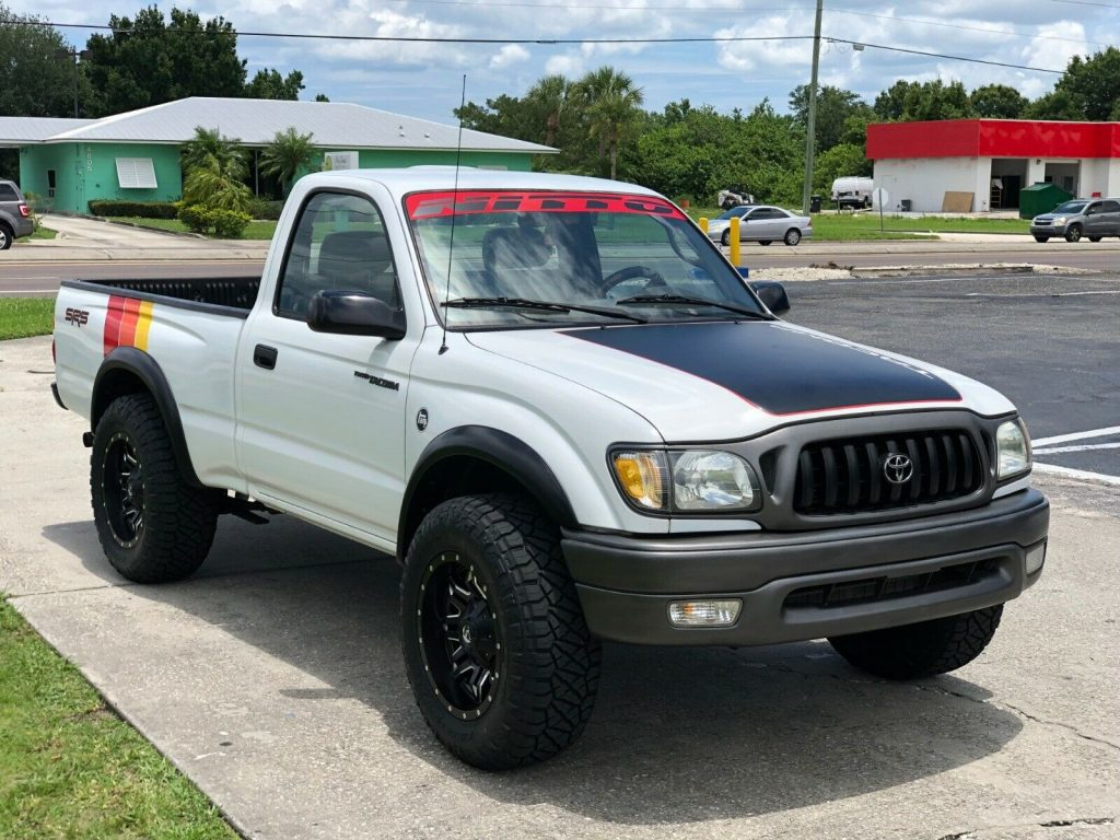 very clean 2002 Toyota Tacoma SR5 pickup
