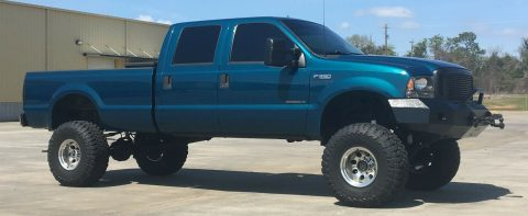 well modified 2000 Ford F 350 XLT pickup for sale
