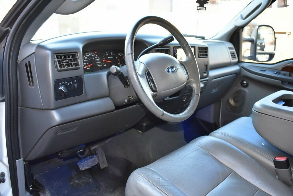 upgraded 2003 Ford F 350 Lariat pickup