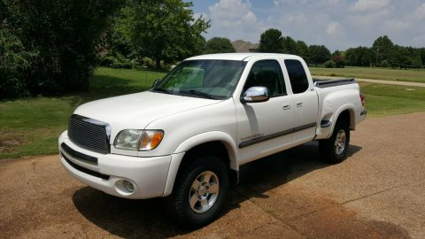 well serviced 2003 Toyota Tundra SR5 pickup for sale