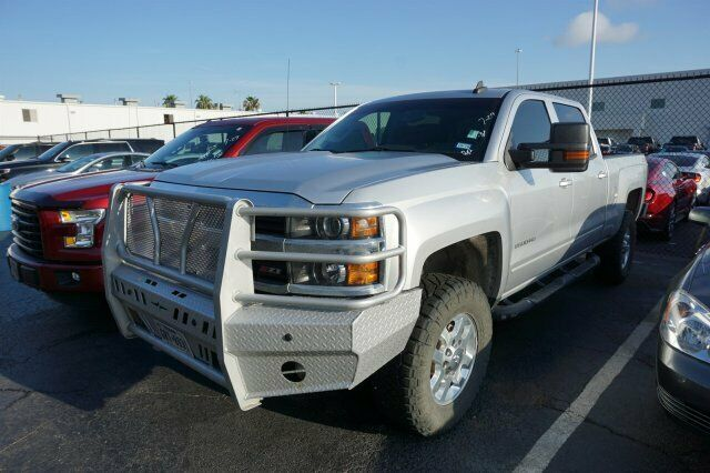 well equipped 2015 Chevrolet Silverado 2500 LT pickup