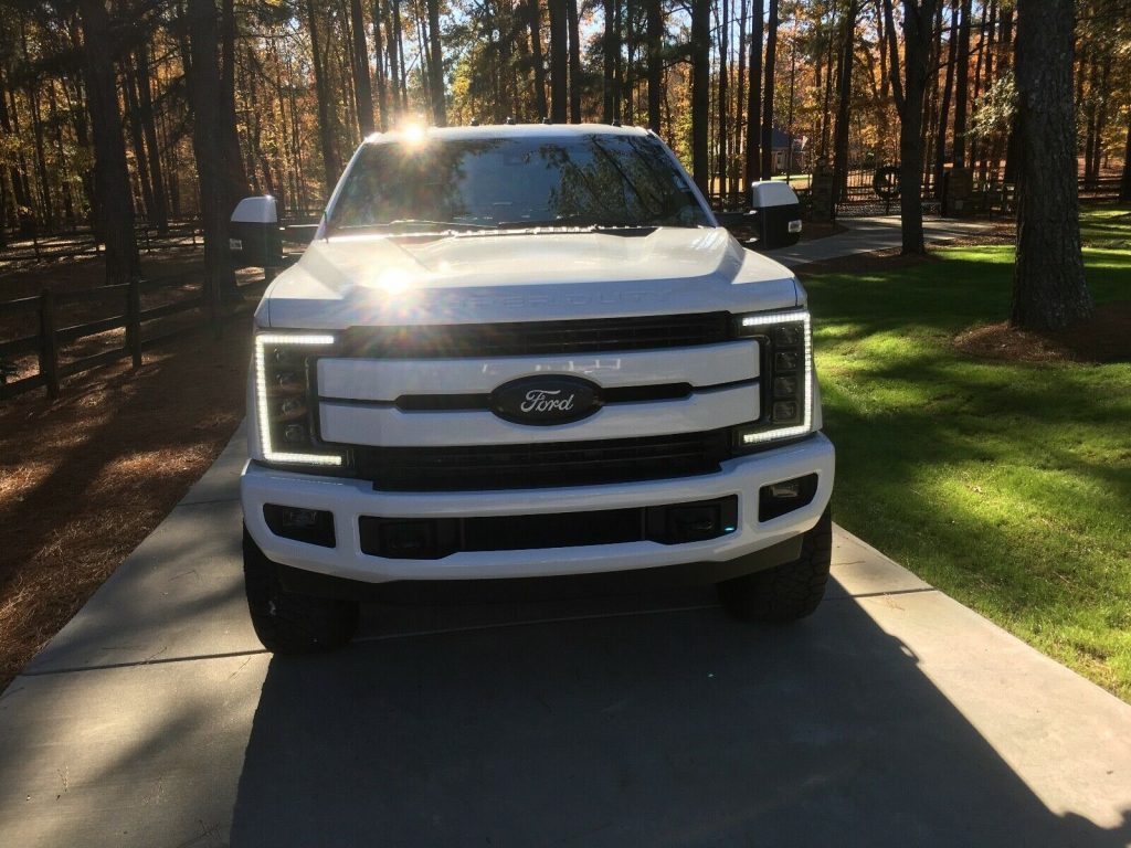 modified 2019 Ford F 350 Lariat Dually pickup