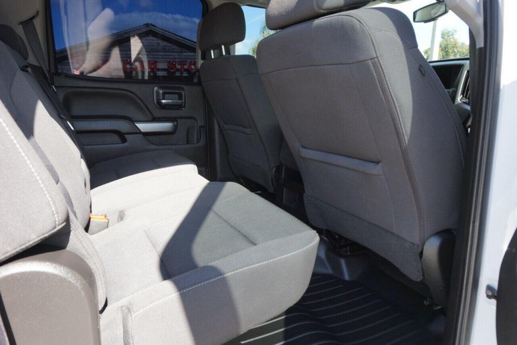 very clean 2018 Chevrolet Silverado 2500 LT pickup