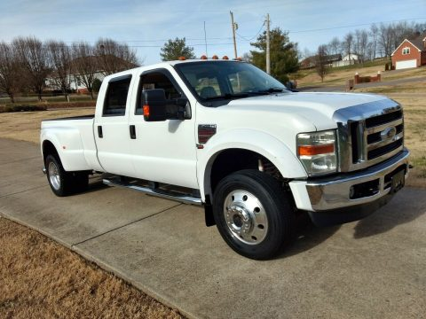 well equipped 2008 Ford F 450 Lariat pickup for sale