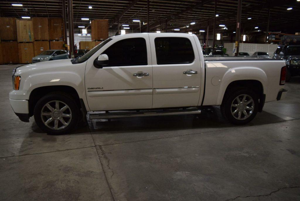 fully loaded 2011 GMC Sierra 1500 Denali pickup