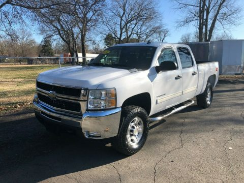 great shape 2010 Chevrolet Silverado 2500 LT pickup for sale