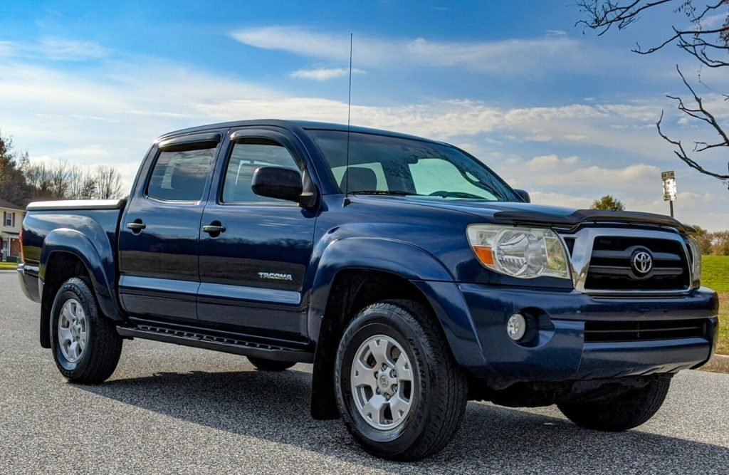 well maintained 2006 Toyota Tacoma pickup