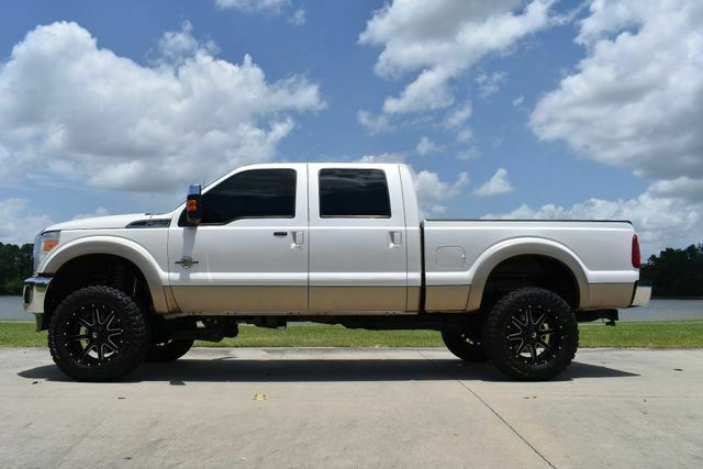 clean 2014 Ford F 250 Lariat pickup