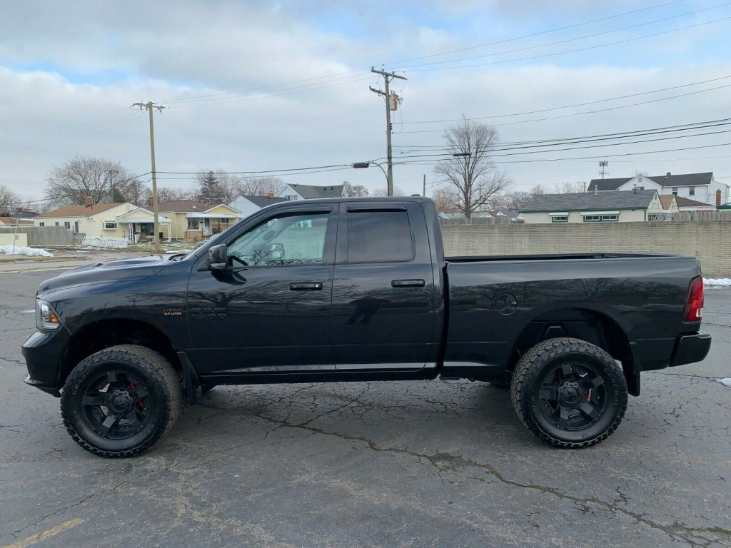 great shape 2016 Ram 1500 Black Sport PACKAGE pickup