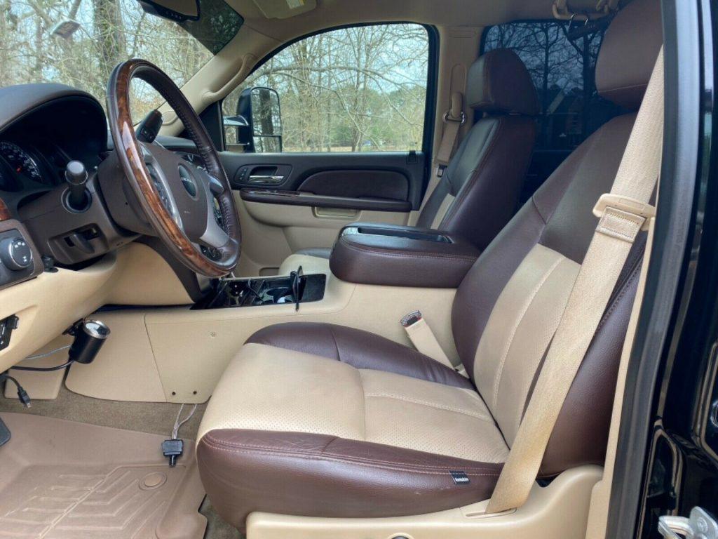 modified 2014 GMC Sierra 2500 pickup