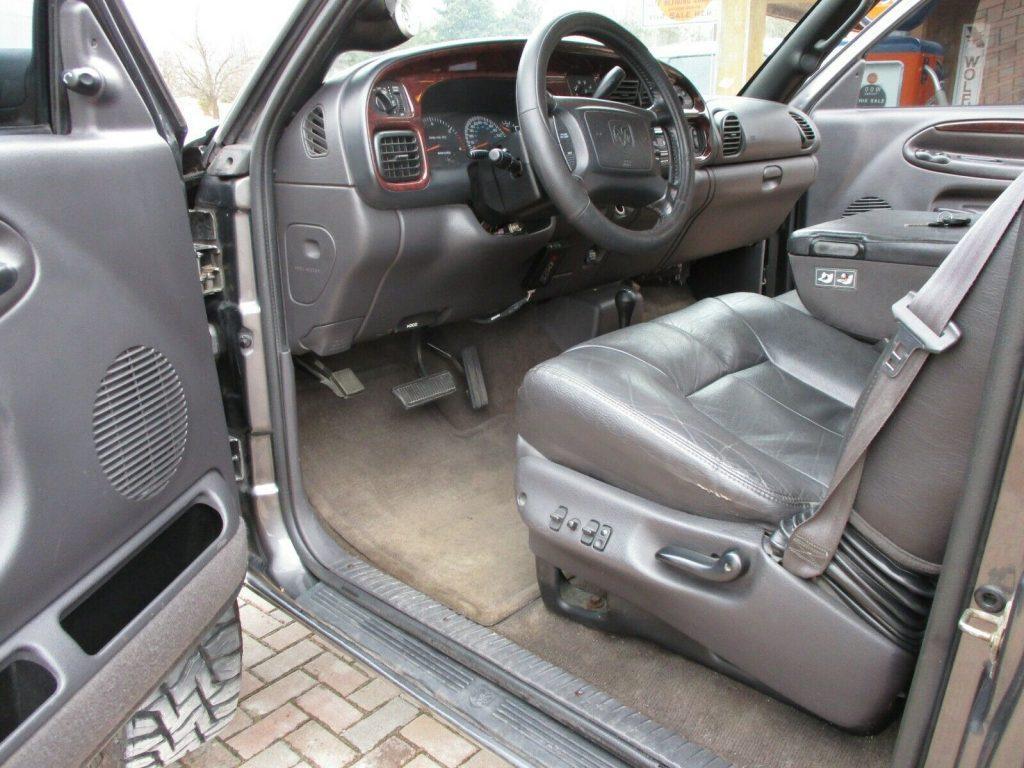 no rust 2002 Dodge Ram 2500 LARAMIE pickup