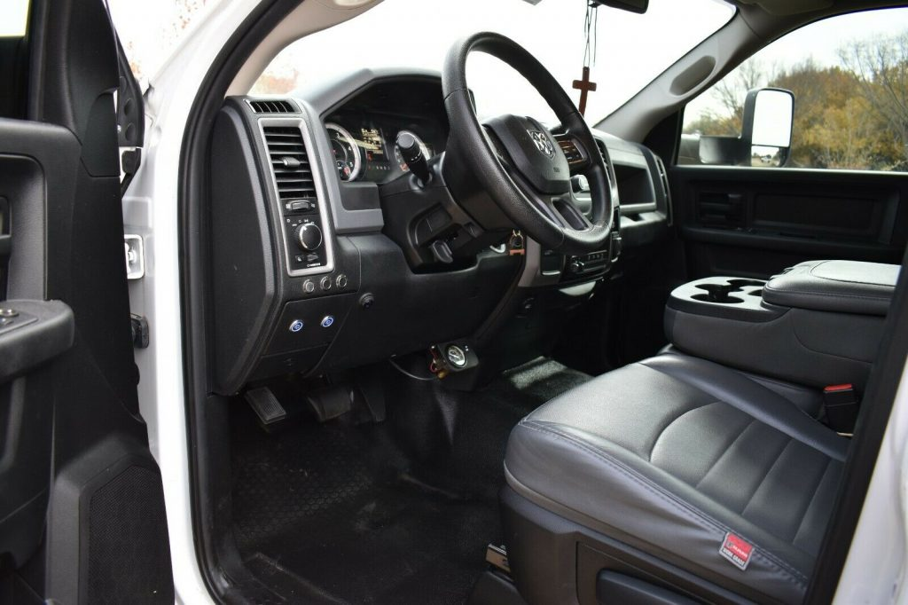 very clean 2016 Dodge Ram 2500 pickup