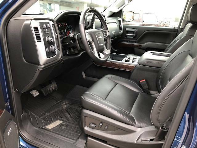 Loaded and low miles 2018 GMC Sierra SLT 1500 pickup